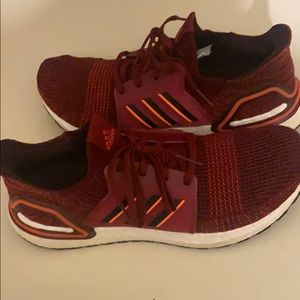 Ultra boost 19 'active maroon'